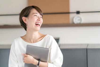 仕事を次々と引き寄せる「魅力的な笑顔」とは?