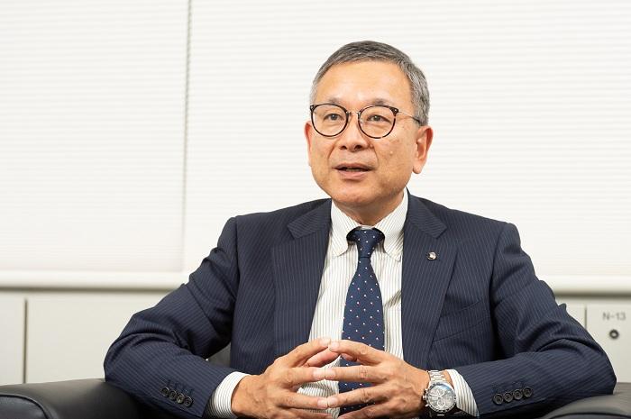 村井満さんインタビューカット